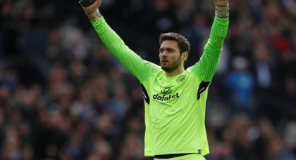 Celtic: Neil Lennon struggling to keep Craig Gordon at the Hoops