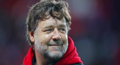 Russell Crowe tweets about Leeds early season form