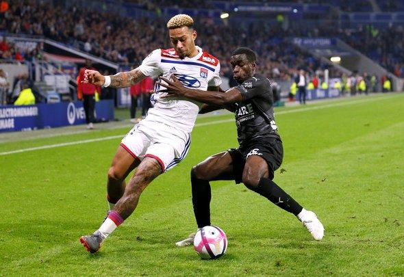Tottenham: Spurs fans want Memphis Depay