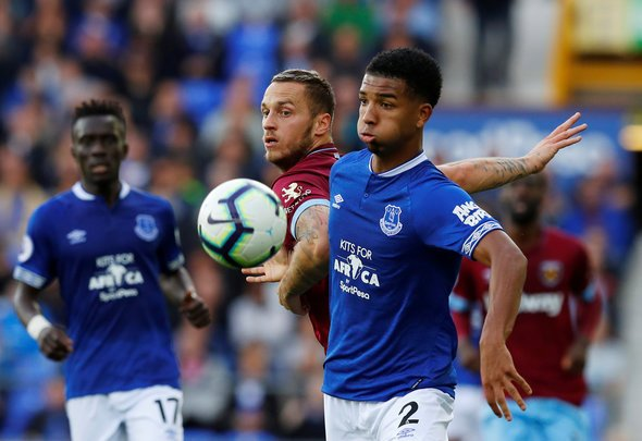 Everton: Fans disappointed in Mason Holgate following Leicester City defeat