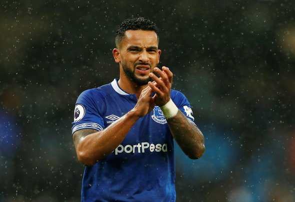 Walcott should be worried about Everton interest in Traore