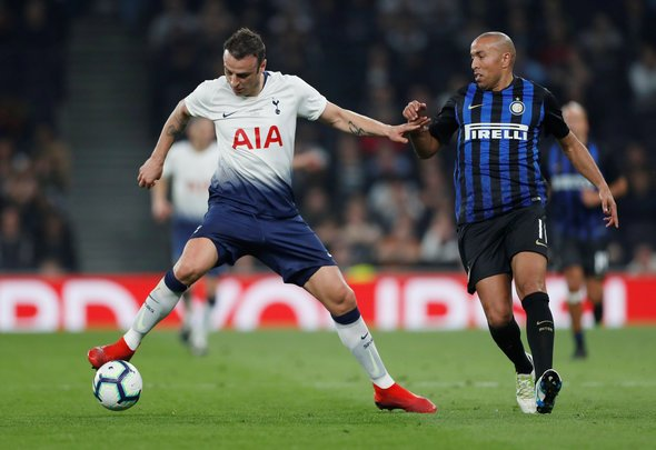 Berbatov will be striking fear into hearts of Tottenham