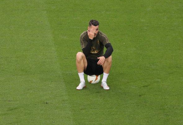 Arsenal fans blast Kolasinac first half in Europa League final