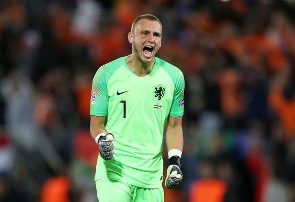 Everton in negotiations to sign Barcelona goalkeeper Cillessen