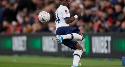 Tottenham: Spurs fans slam Aurier miss