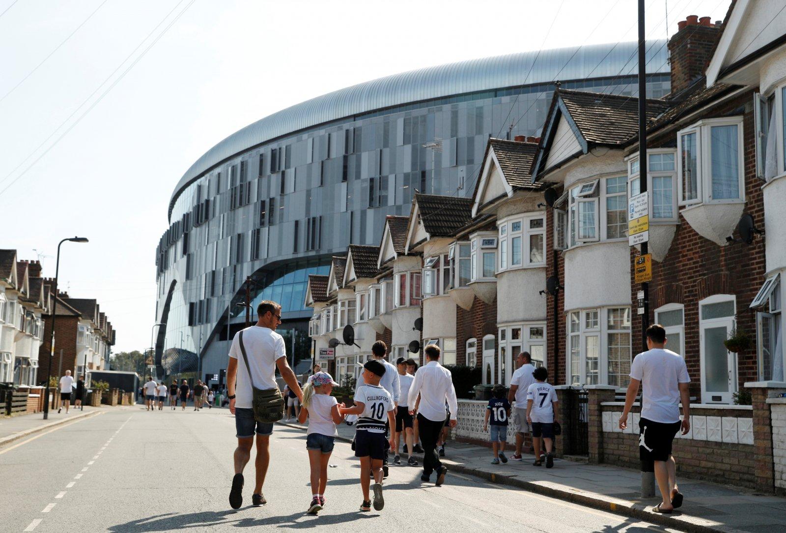Image for Tottenham Hotspur: Fans react to rumoured fee for Ilaix Moriba